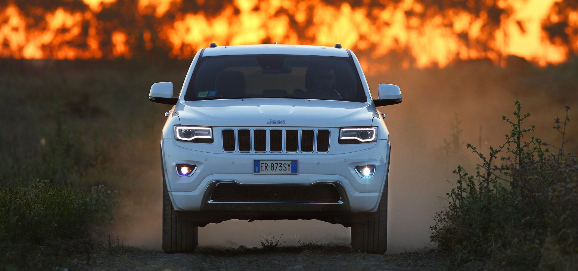 Jeep Compass - Incendio, fuego, blanco