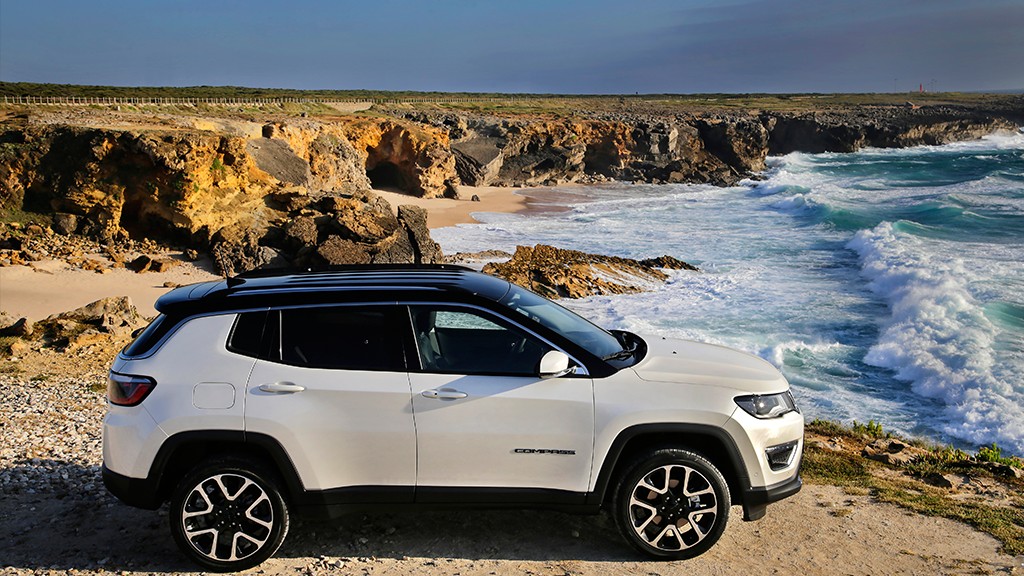Jeep Compass - Blanco, mar, costa